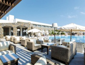 Tholos Bar & Main Pool